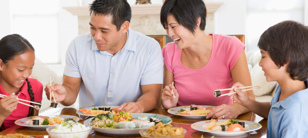 15 Best Mealtime Prayers for Families