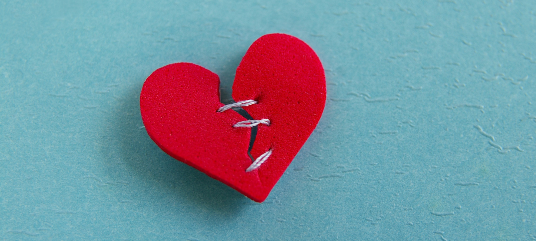 6 Uplifting Prayers for a Broken Heart to Mend