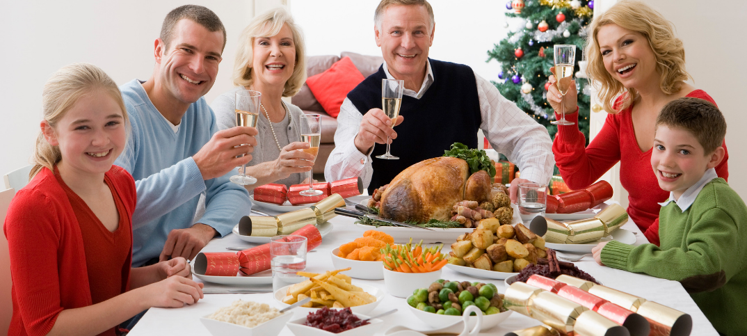 6 Uplifting Prayers for Christmas Dinner in a Poem